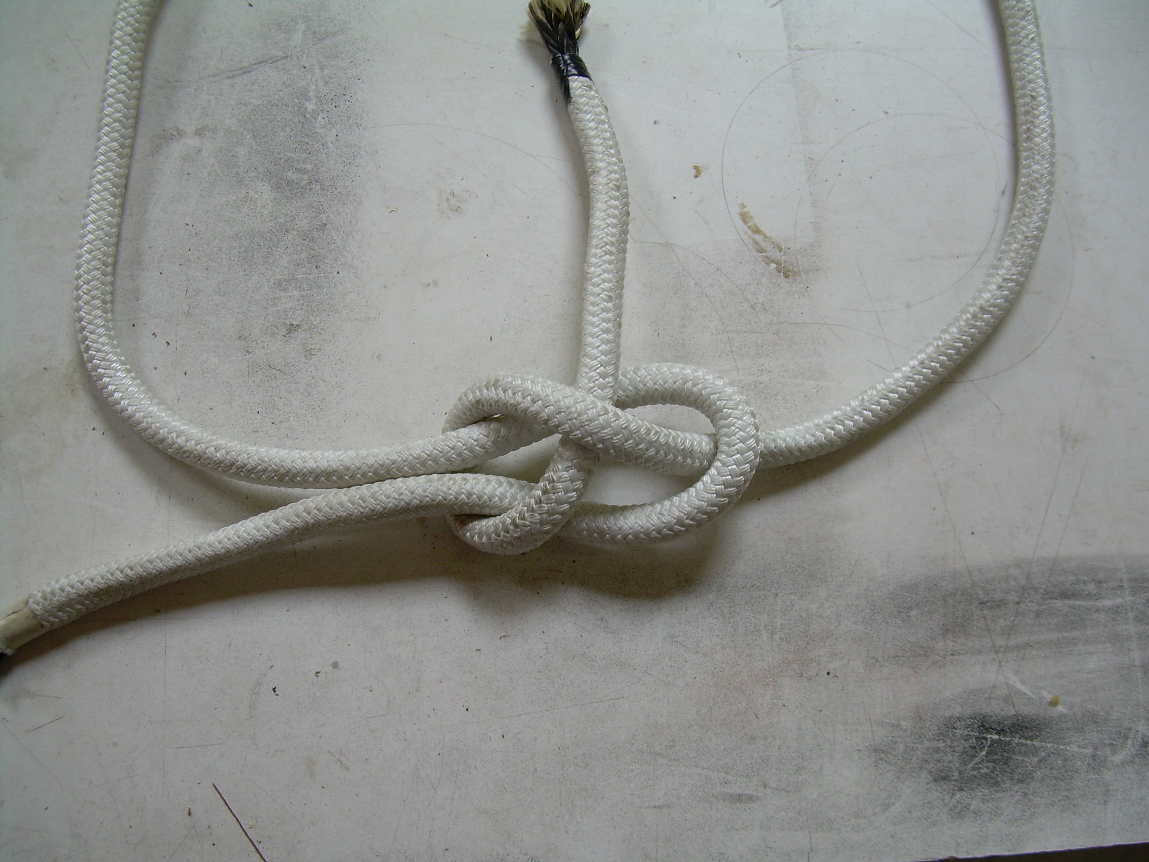 How to tie a sheetbend