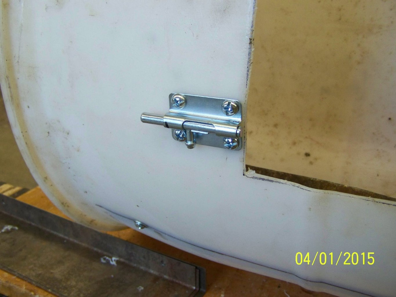 Attach Handle, Barrel Latchs, Areation Holes