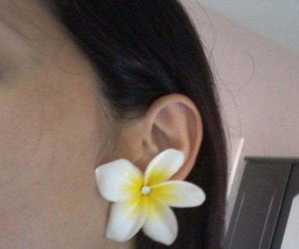 Faux Tropical Earrings Using Plastic Bottles