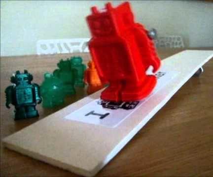 Walking Robot (by Gravity)