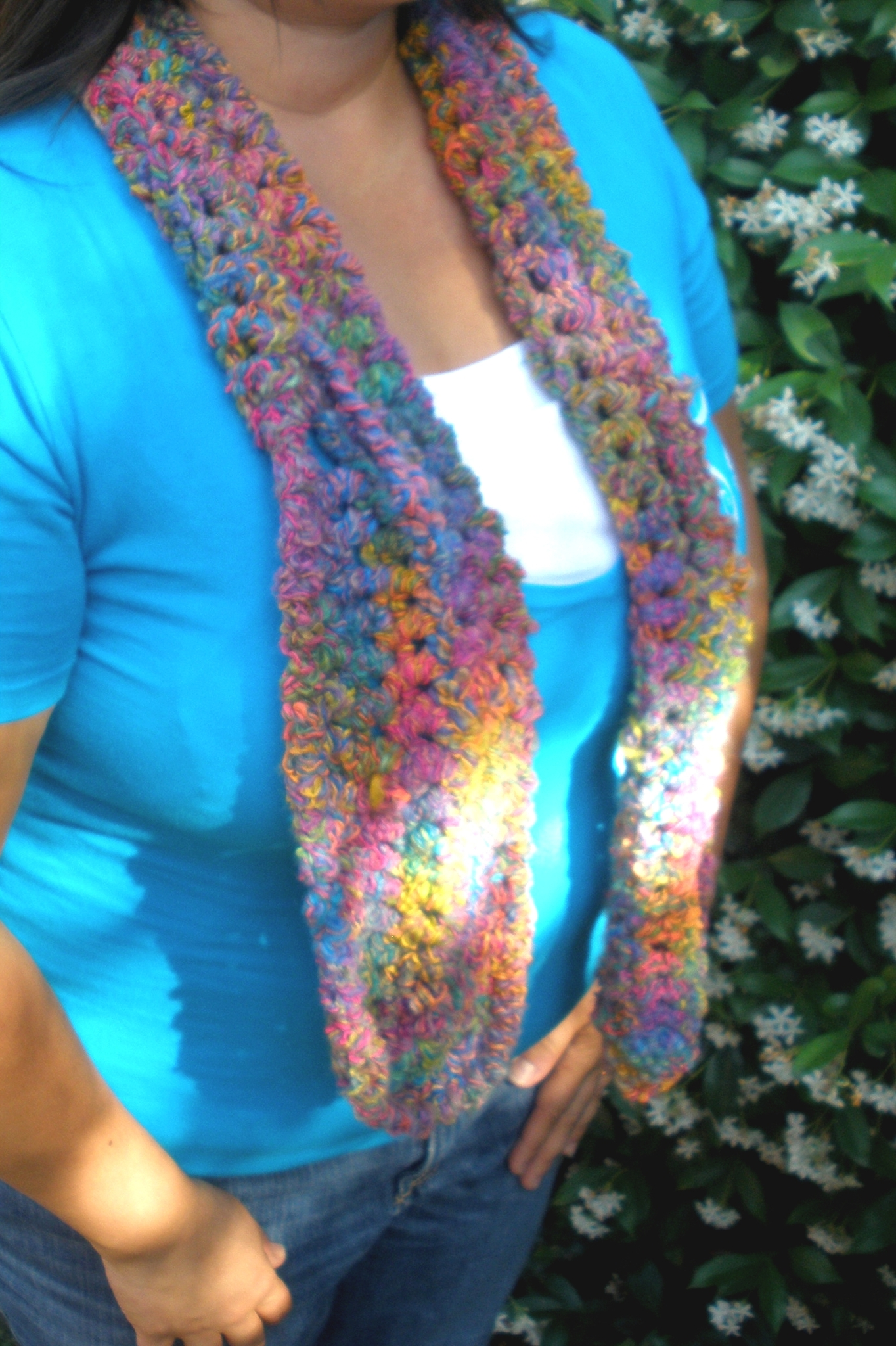Curly Q Keyhole Scarf to Crochet