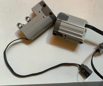 How to Move Lego Motors Autonomously Using Arduino