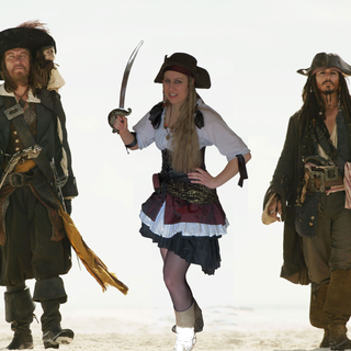 DIY Girl Pirate Costume HOW-TO