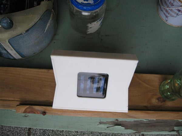 Solar LED Light Hacked Into Solar Battery Charger