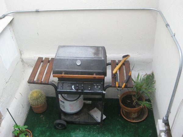 Installing a Temperature Gauge in a Gas Grill