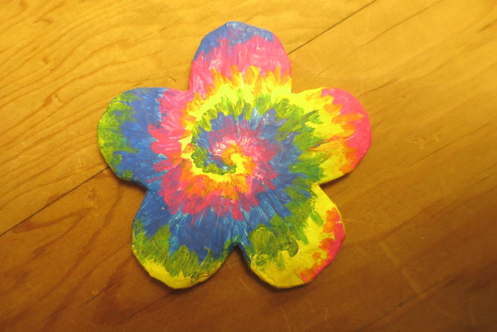 How To Paint A Rainbow Tie Dye Design 4 Steps With Pictures Instructables