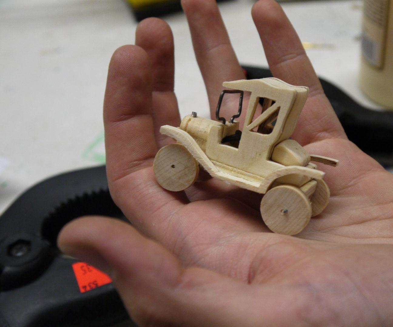 Wood Ford Model T 1:60 replica