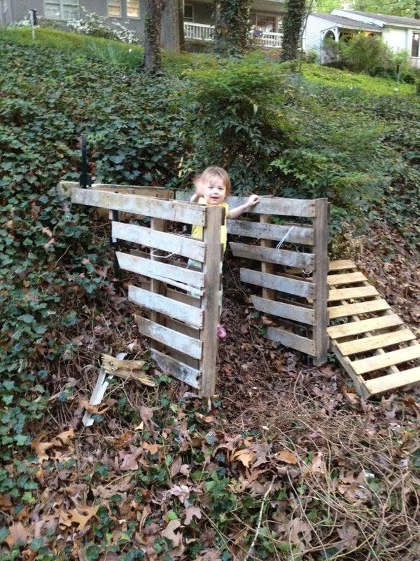 Pallet Compost Bin- Hill Helps Emptying