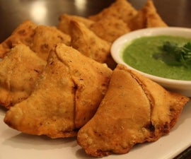 Delicious Curry Pouch Samosas
