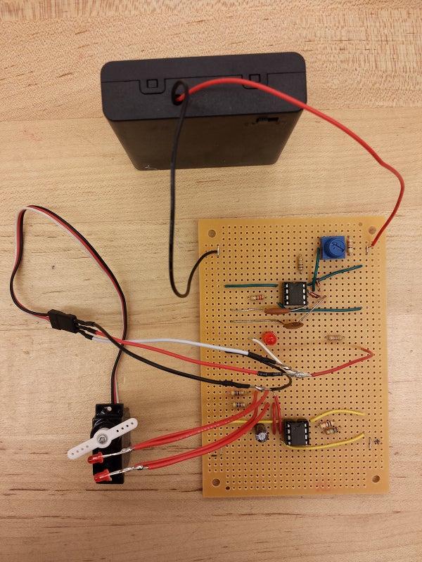 Blinking LEDs + Controllable Servo