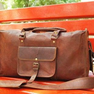 leather-duffle-bags-for-men_ed53c3eb-ec6e-4dbd-b37e-733f59b95ce8_large.jpg