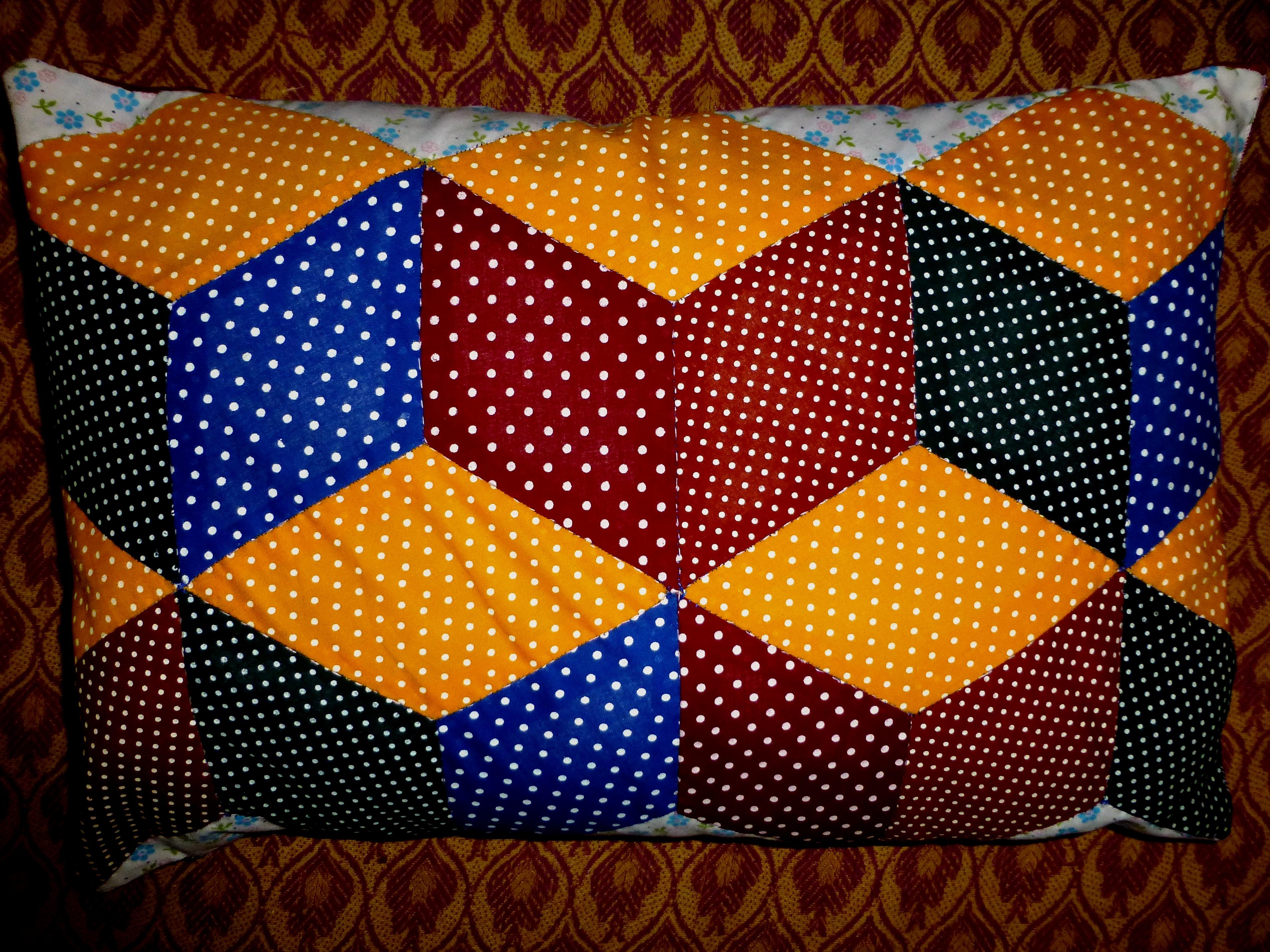 Paper Piecing a 3-D Looking Pillow