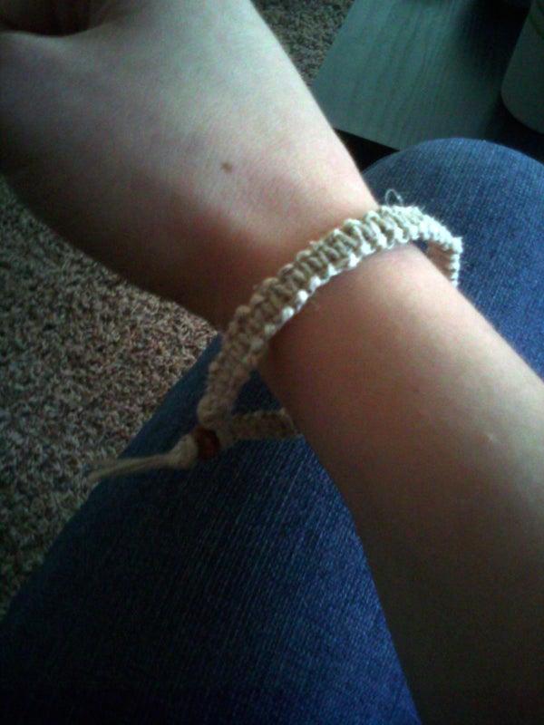 How to Make a Hemp Bracelet