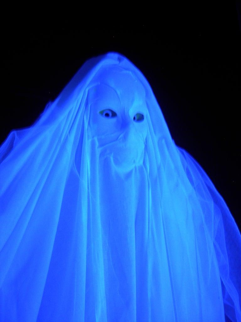 Tracking Ghost Door Decor (super Easy)