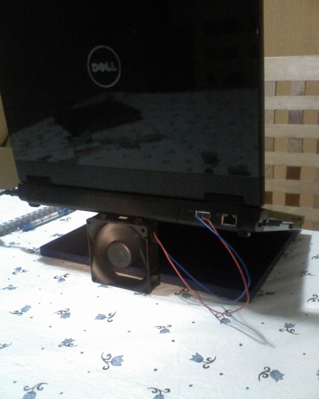 Laptop Stand VGA powered