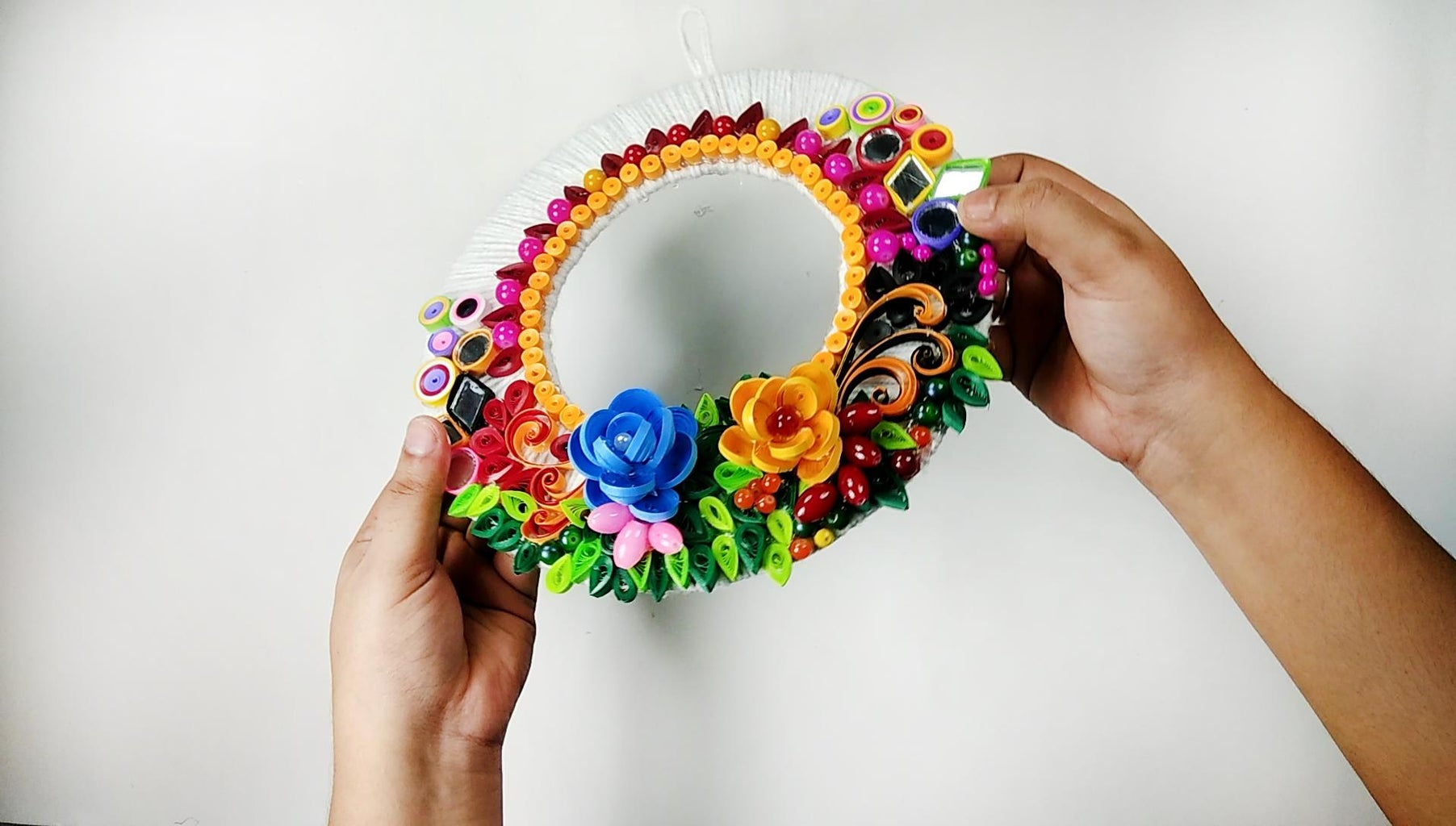 Easy and Beautiful Paper Wall Hanging
