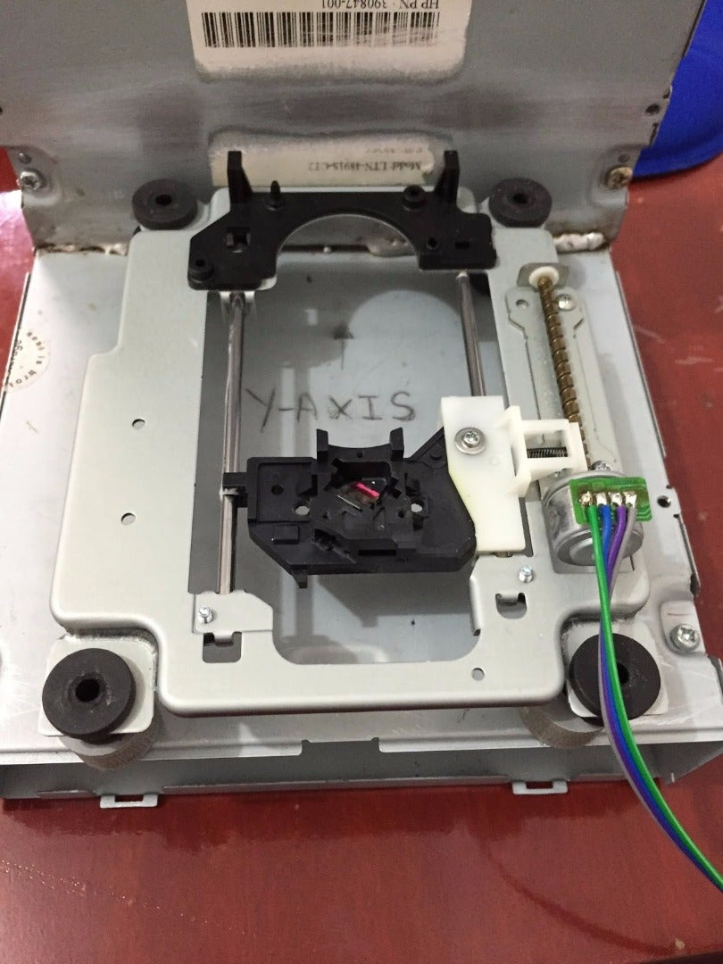 MOUNTING THE Y-AXIS