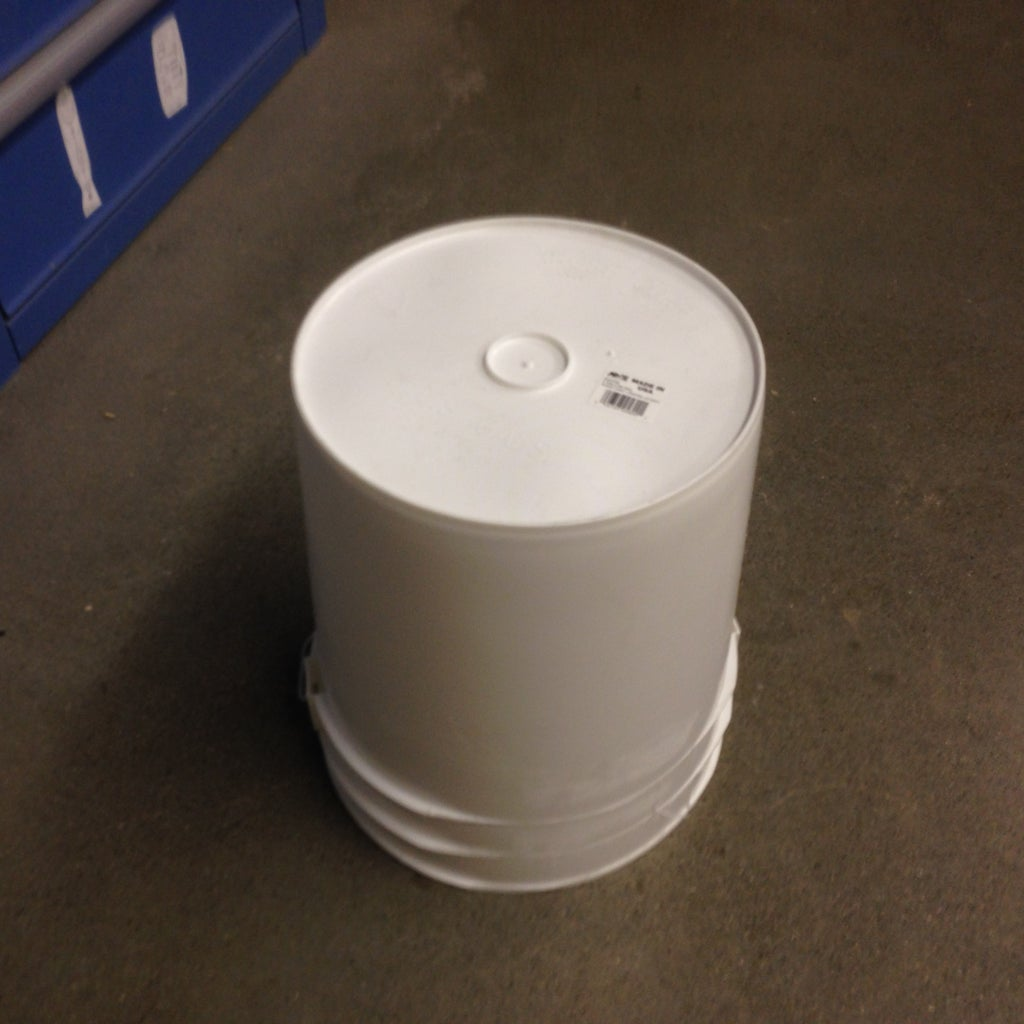 Attach Bucket to Hold HyperBrush