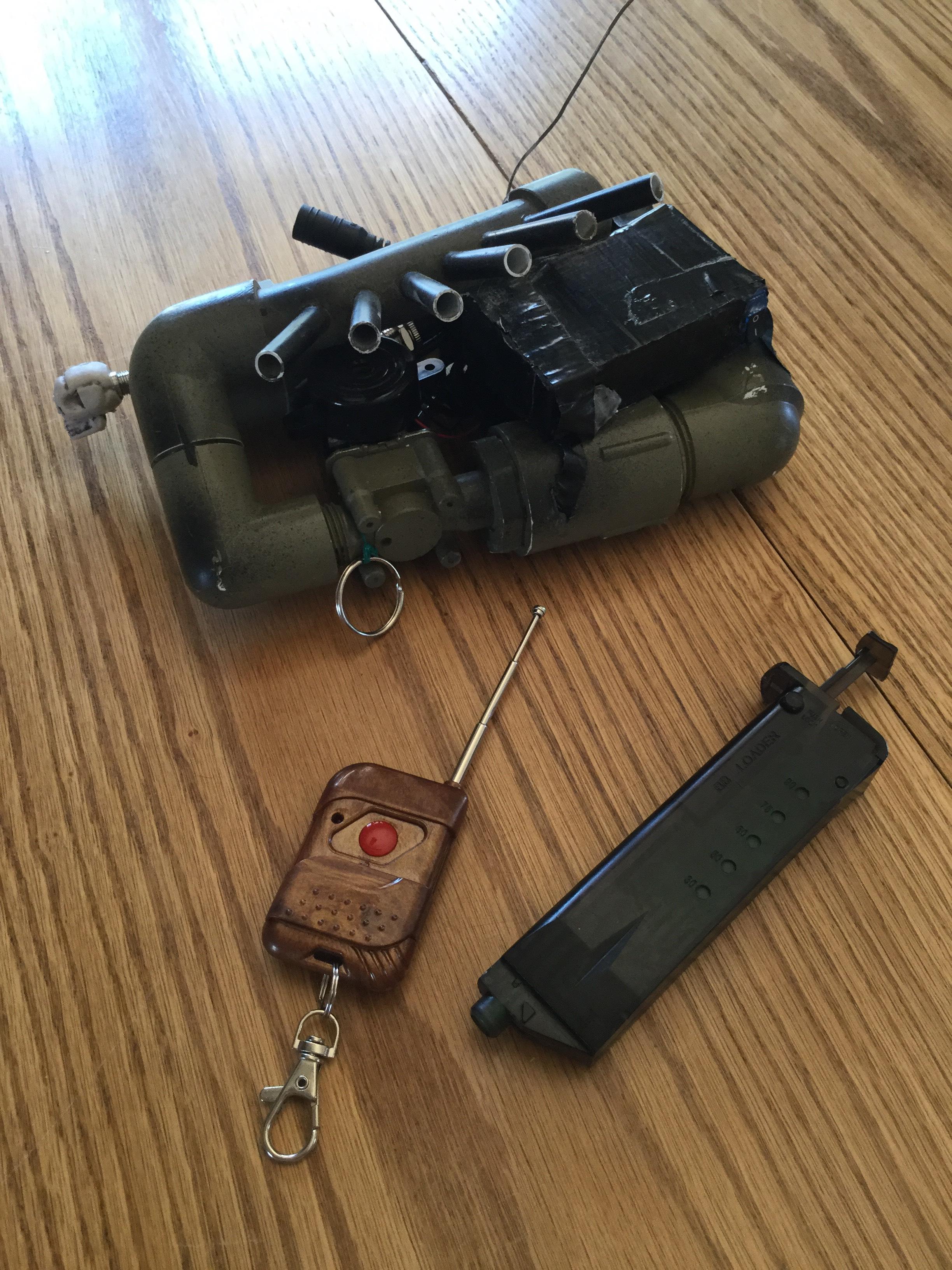 Airsoft Remote Detonation Mine/ Present Trap