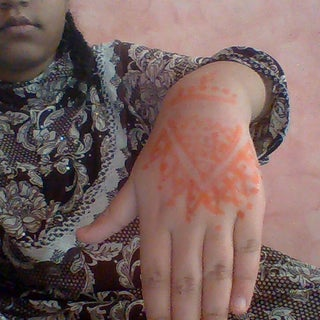 How to Make Henna Paste
