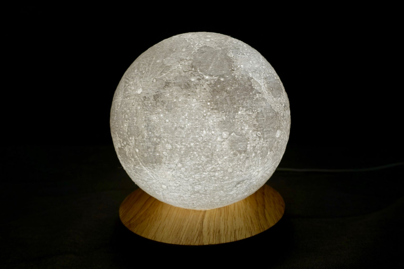 Look Like a Moon VS Sophisticated Detail