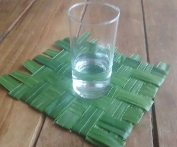 How to Make a Cup Coaster of Palm Leaves