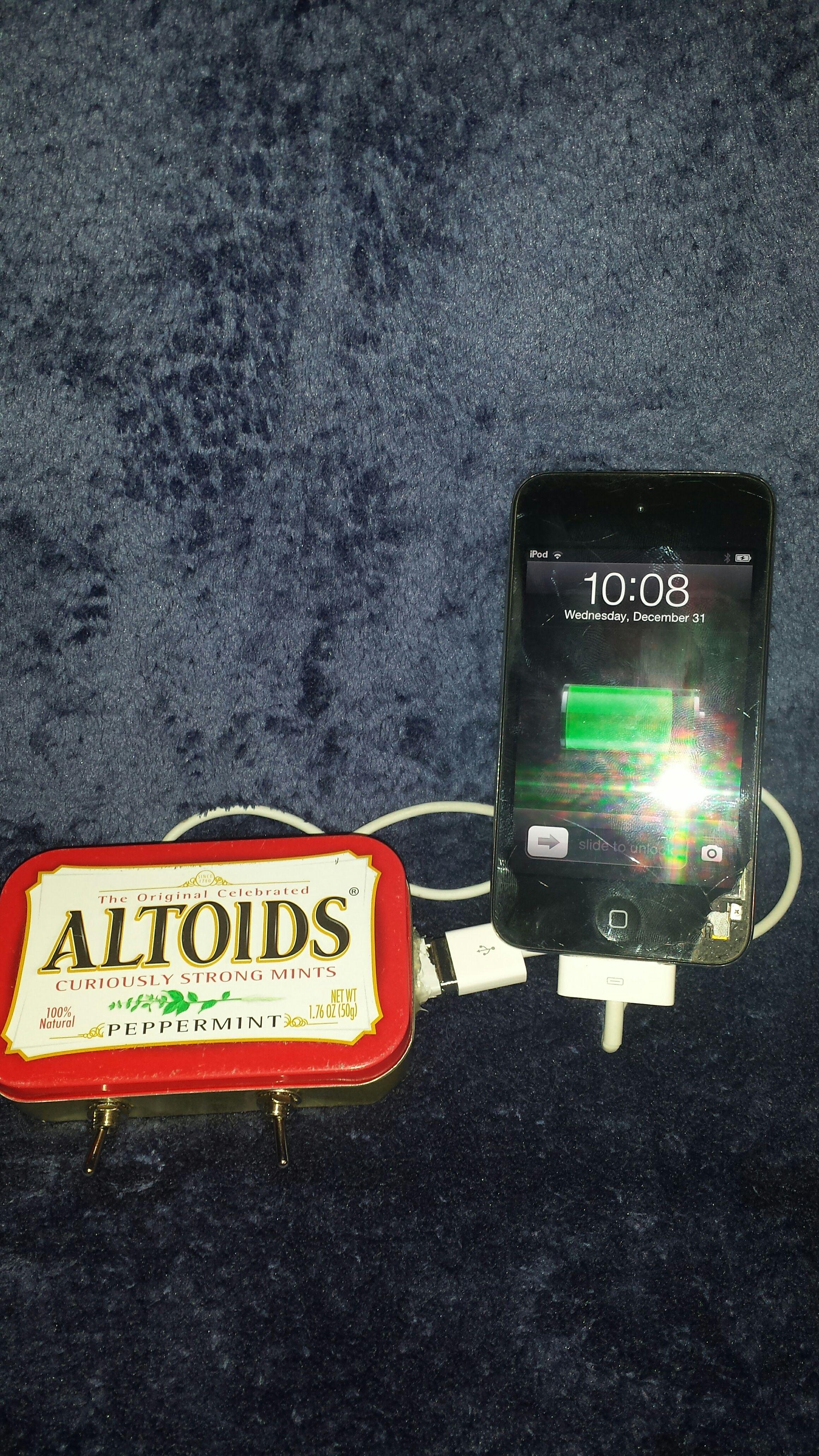 DIY Altoids USB Apple/Samsung Charger