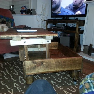 Pallet Coffee Table With Lifting Top and Landing Gear