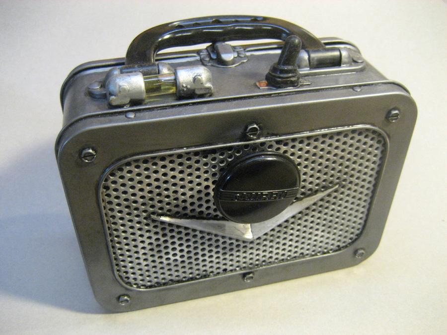 Dieselpunk Stereophonic Amplifier