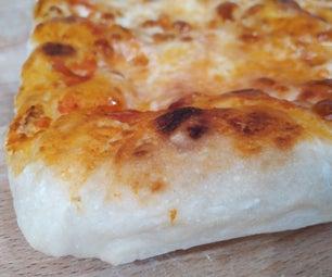 伟大的意大利披萨,在家里的烤箱里烤