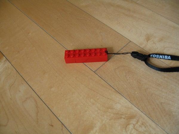 Lego USB W/ Cap!!