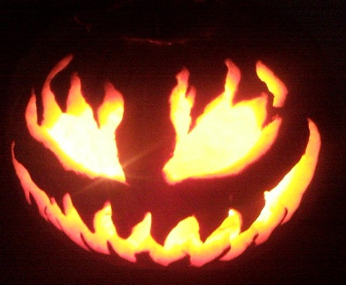 """Use Your """"survival"""" Wire Saw to Carve Pumpkins"""