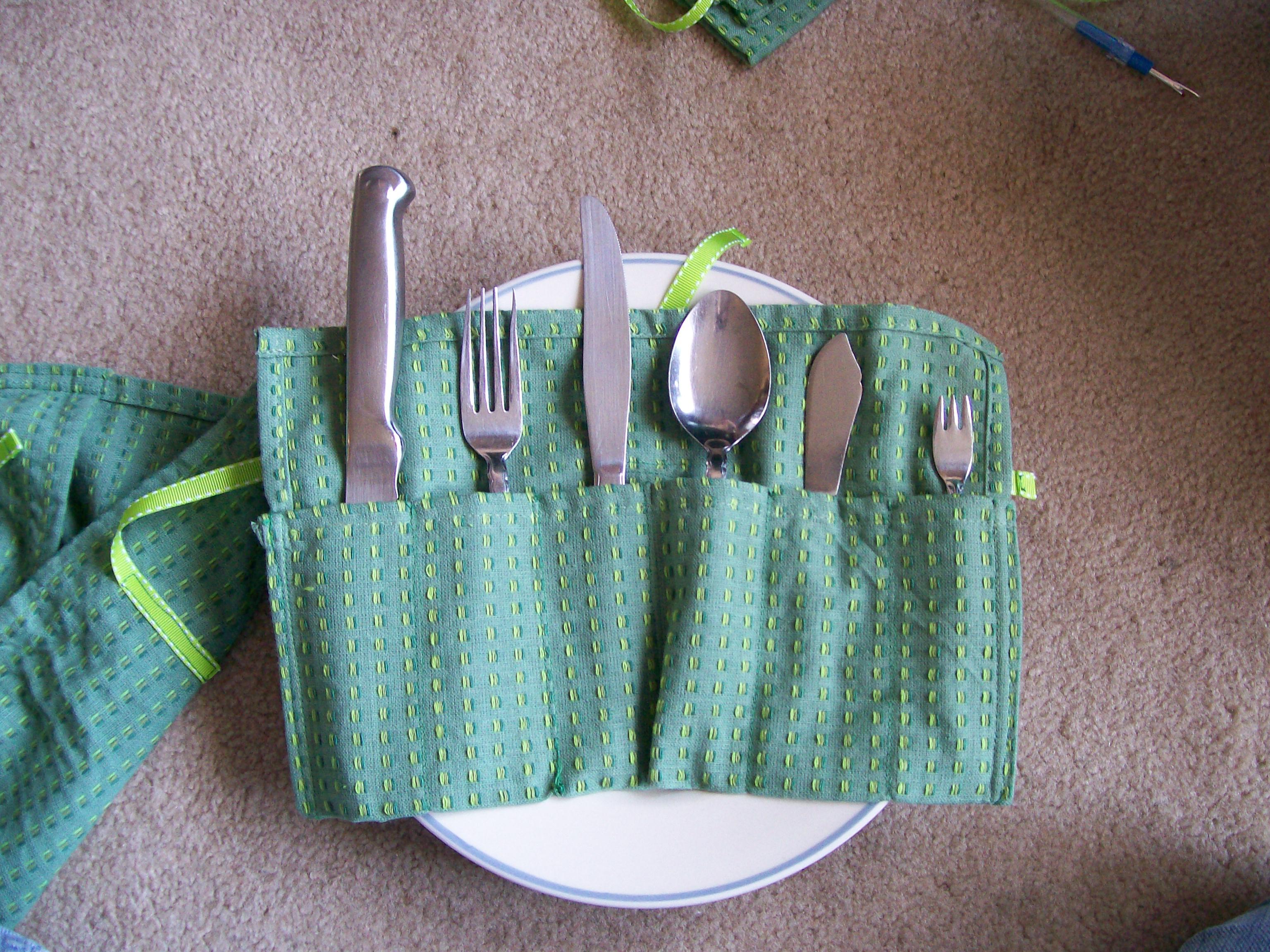 SewUseful Low-Sew Picnic Flateware and Dish Holders