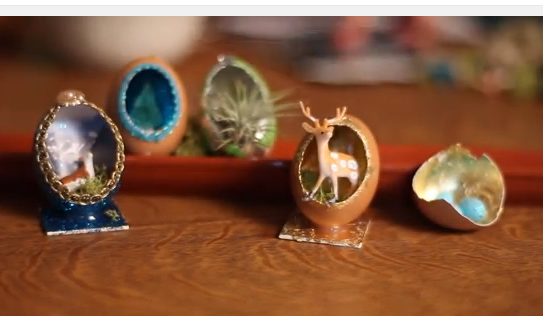 How to decorate the inside of a natural egg