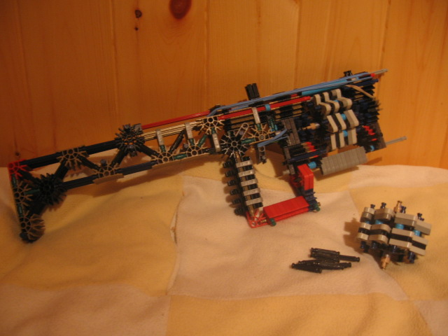 Semi-Automatic Relvolver Riffle out of K'Nex