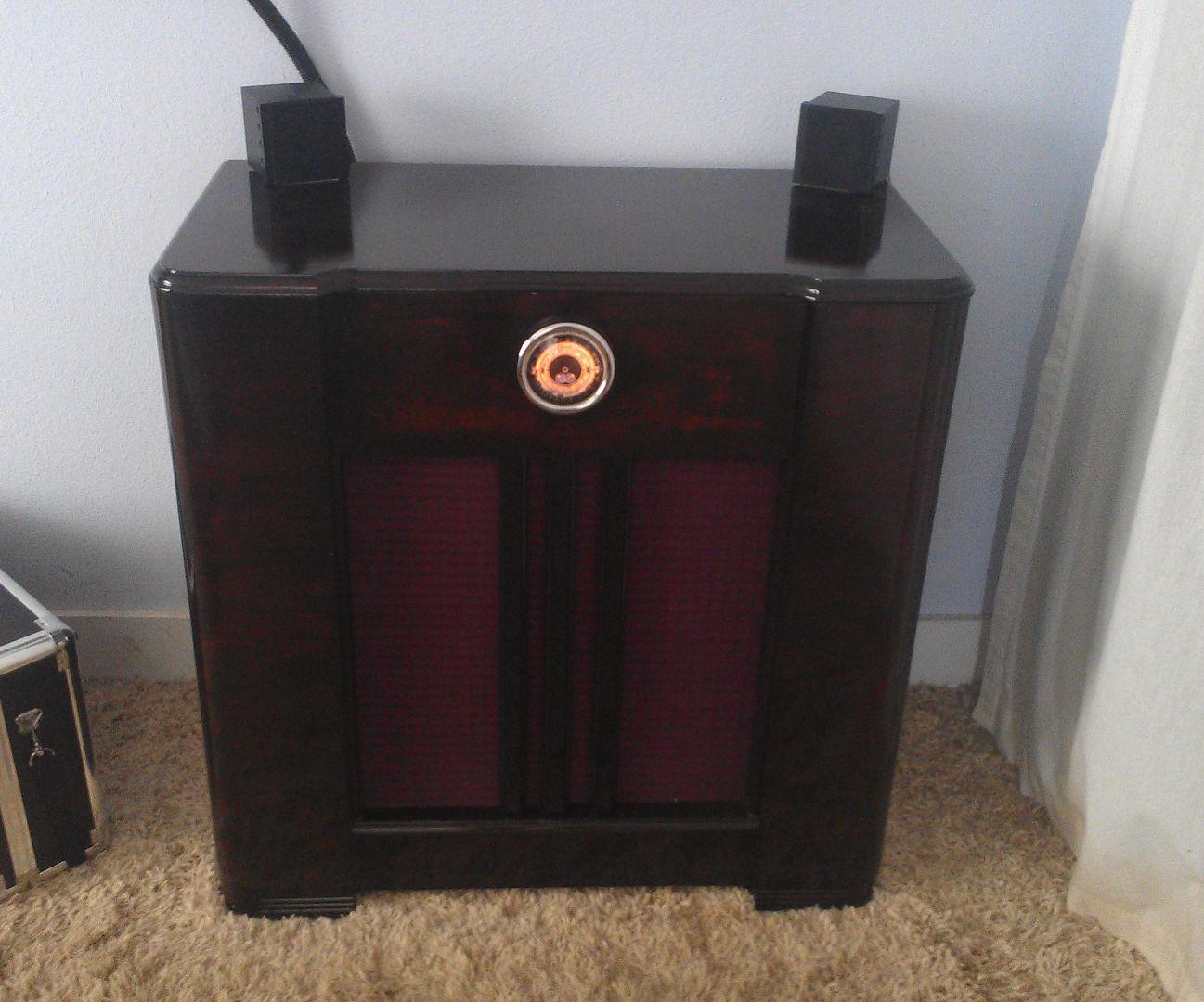Retro audio sub woofer console