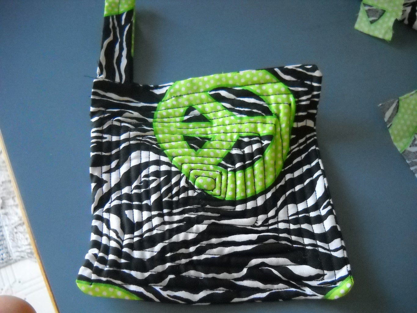 How to Make a Hot Pad With Scrap Fabric