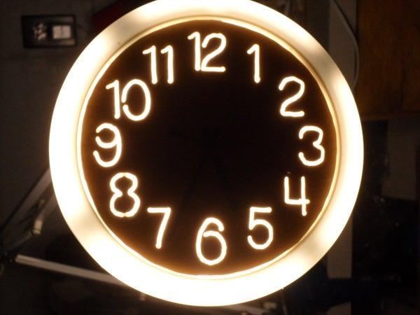 Illuminated Clock Using a Scroll Saw