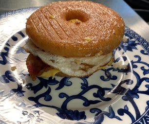 甜咸甜甜圈三明治。