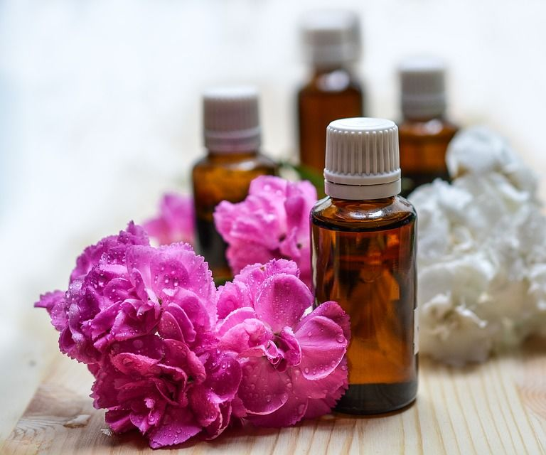 20 Ways To Use Just One Bottle Of Essential Oil