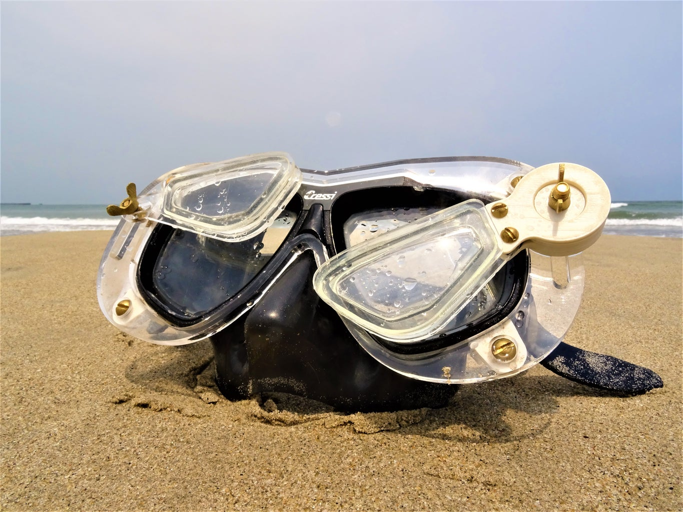 Diving Mask With Add on Lenses