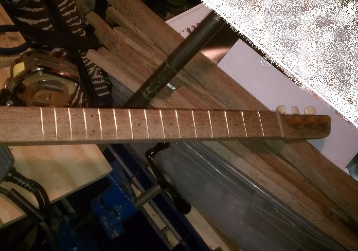 (CBG) Cigar Box Guitar......Fretting