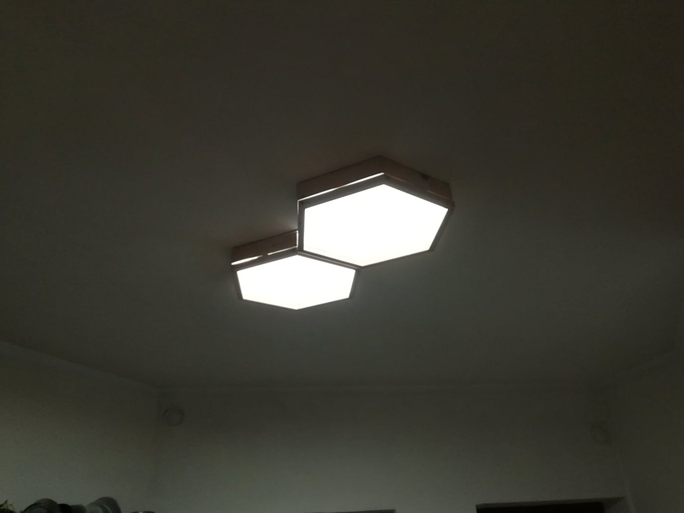 Give New Light to the Room: the Lamp Is Done!