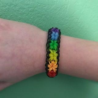 How to Make a Rainbow Loom Starburst Bracelet