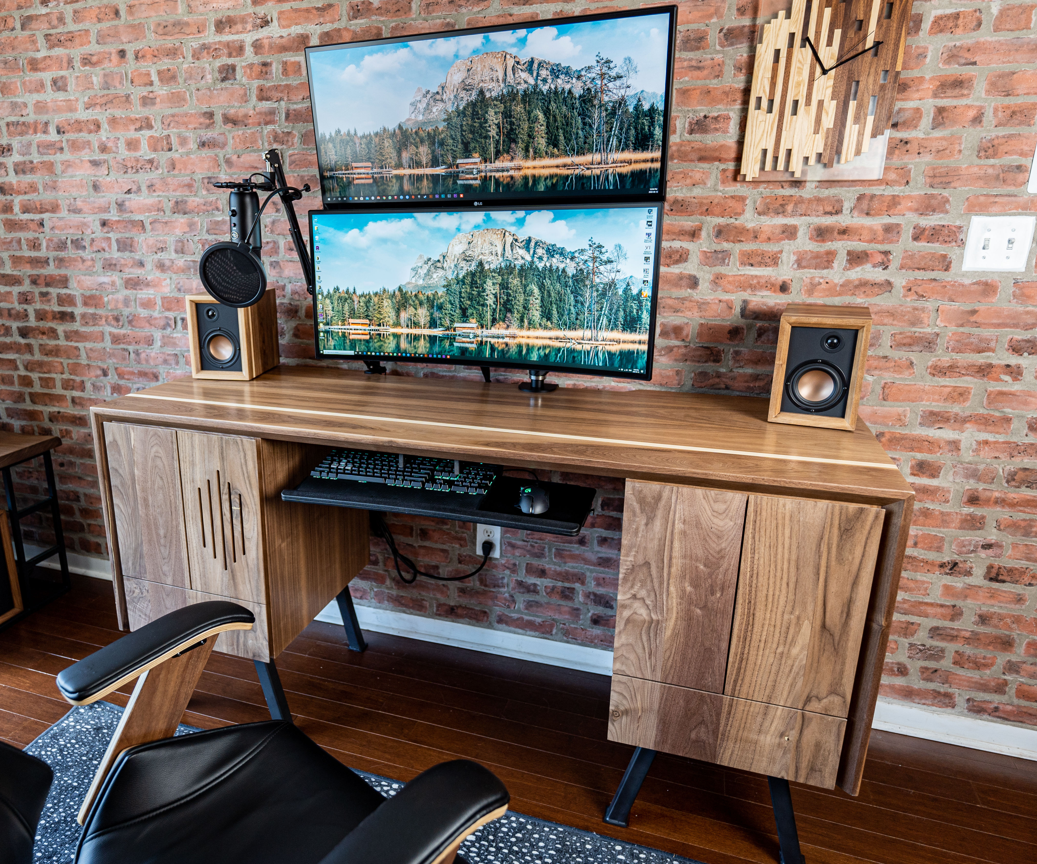 Building My Dream Desk With an Integrated Computer