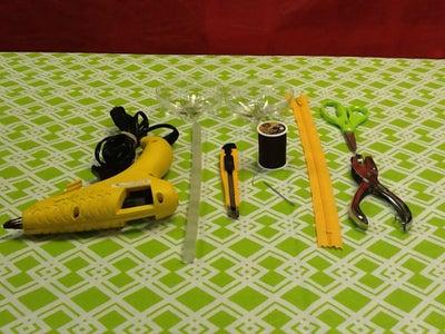 Preparation Upcycle It! Plastic Bottle Zipper Change Holder