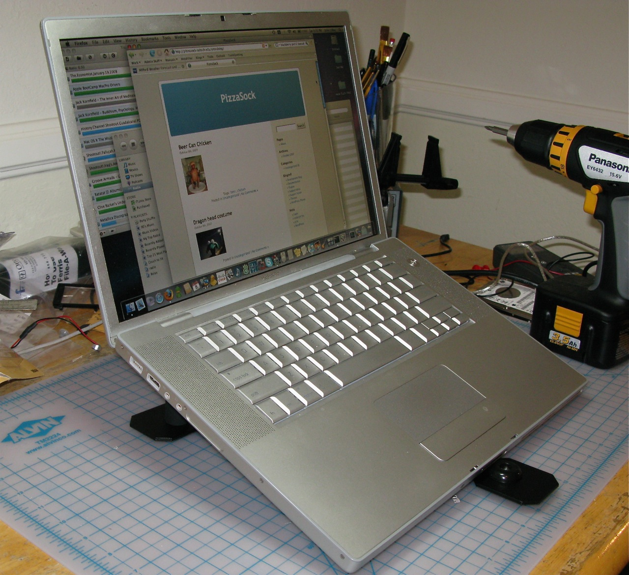 The 10 Minute Laptop Stand