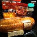 Easy Three Step Cheddar Bacon Ranch Bread