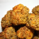 How to Make Sausage Balls the Easy Way