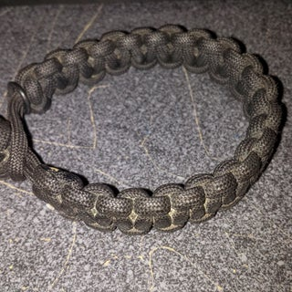 Paracord Bracelet With Monkey Fist Button